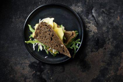 Old Amsterdam sandwich met knolselderij