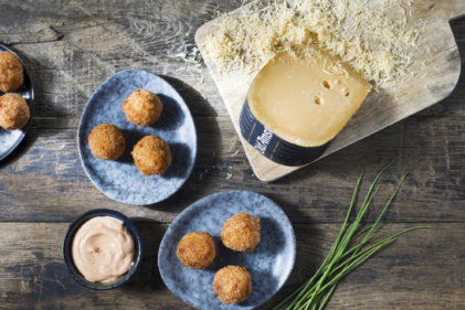 Mac and 'Old Amsterdam' cheese bitterballen
